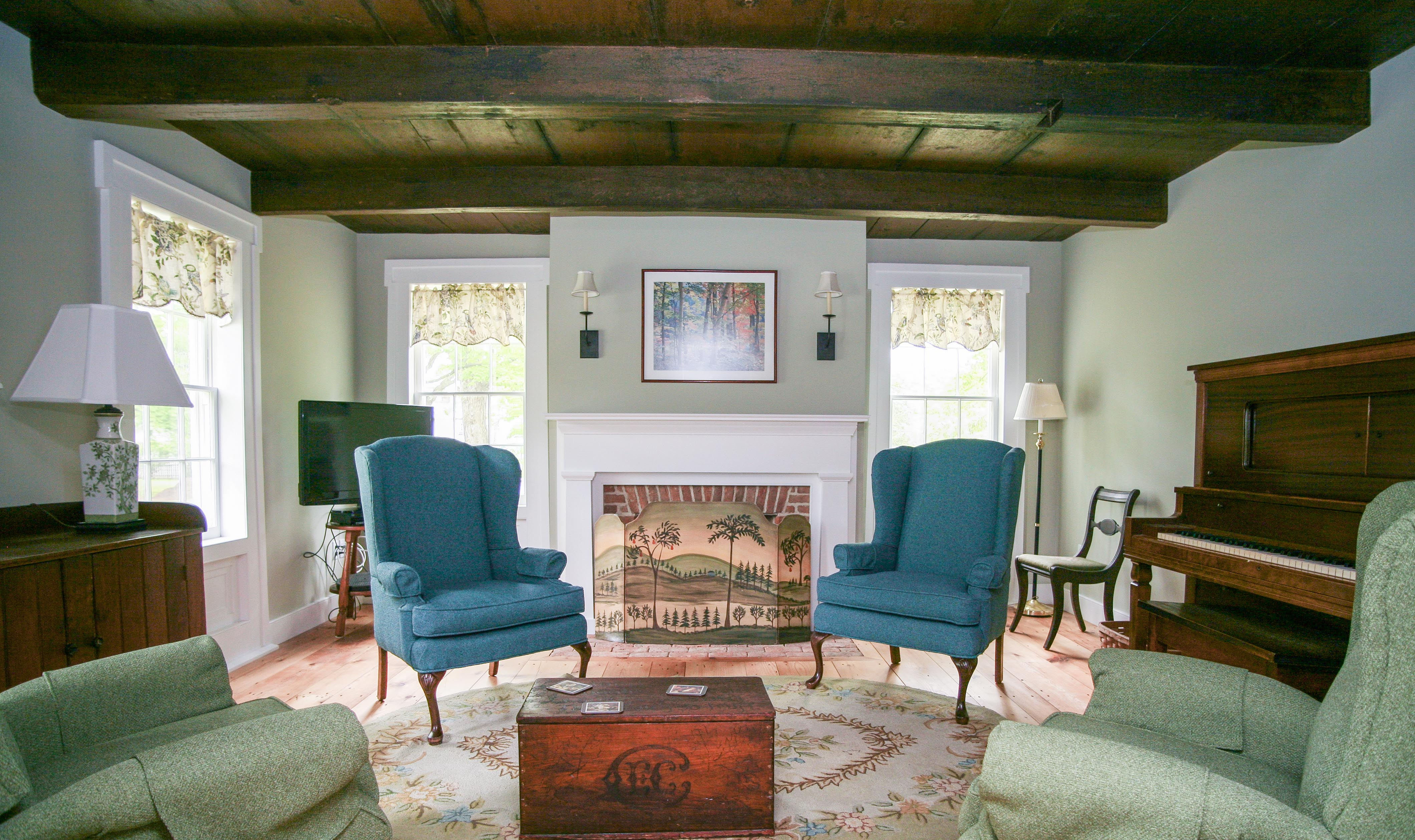 Parlor at New Concord Bed and Breakfast